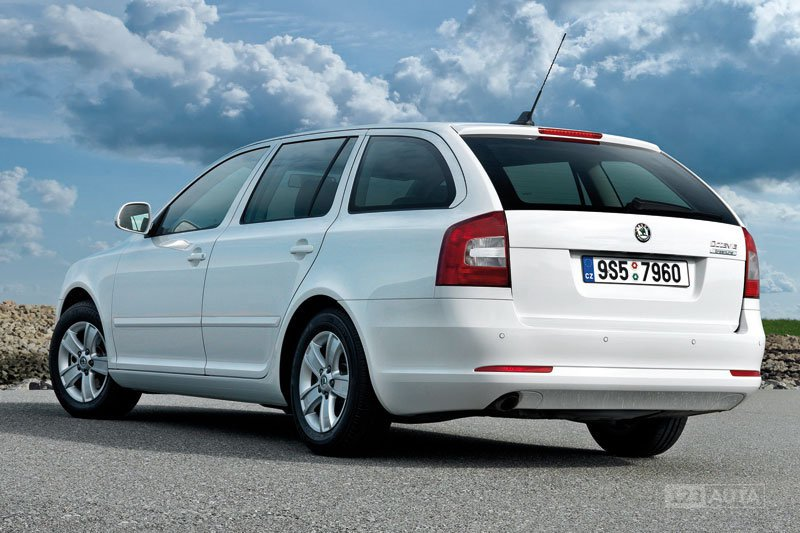 technick data skoda octavia combi 2 0 tdi ambition. Black Bedroom Furniture Sets. Home Design Ideas