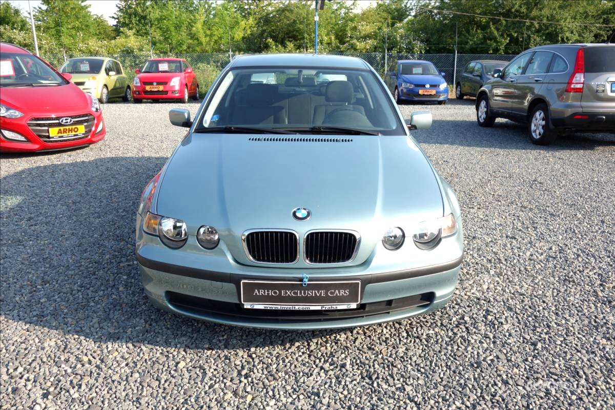 BMW Řada 3, 2002 - pohled č. 2