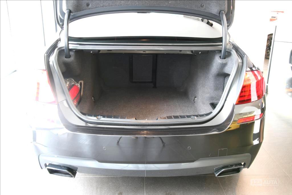 BMW Řada 5, 2014 - pohled č. 8