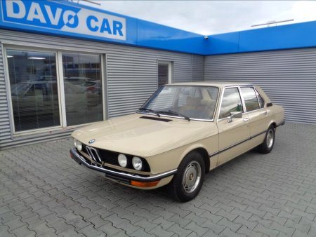 BMW Řada 5, 1975
