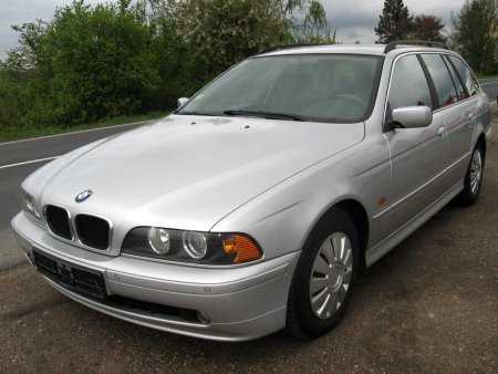 BMW Řada 5, 2001