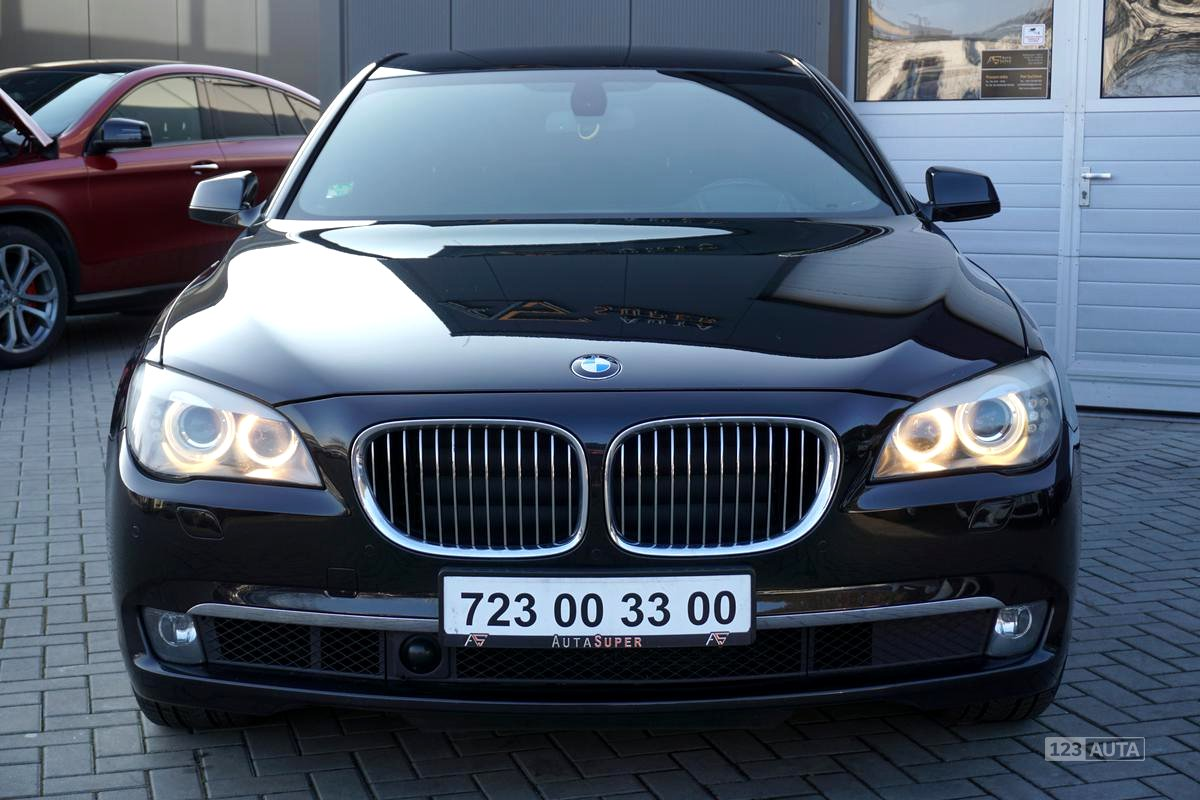 BMW Řada 7, 2009 - pohled č. 2
