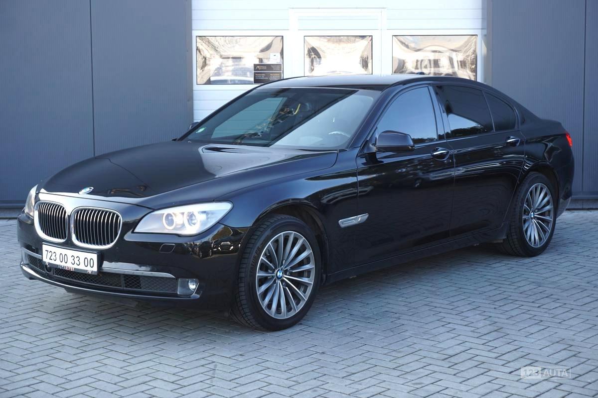BMW Řada 7, 2009 - pohled č. 3