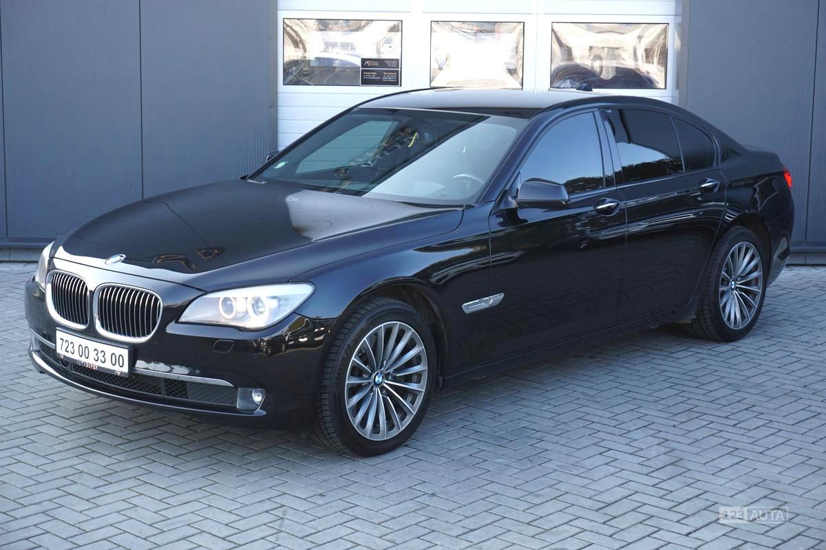 BMW Řada 7, 2009 - pohled č. 4