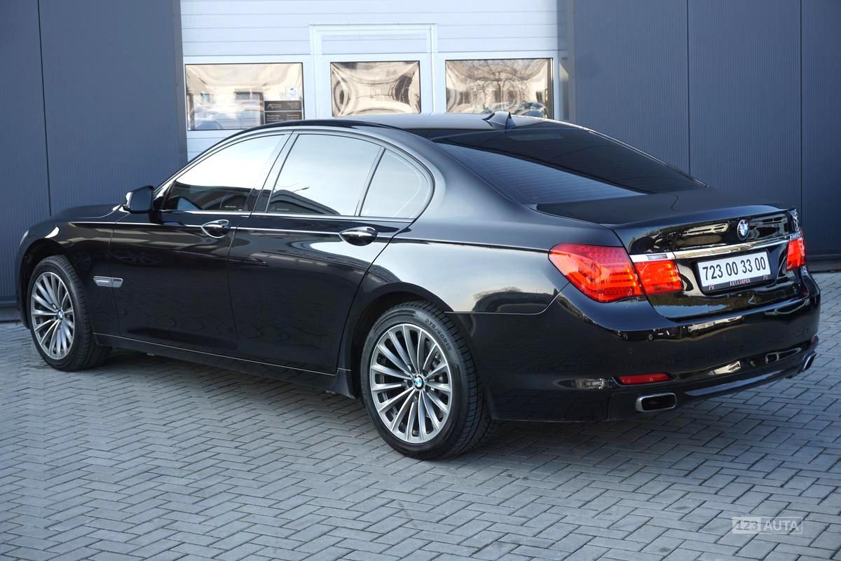BMW Řada 7, 2009 - pohled č. 5