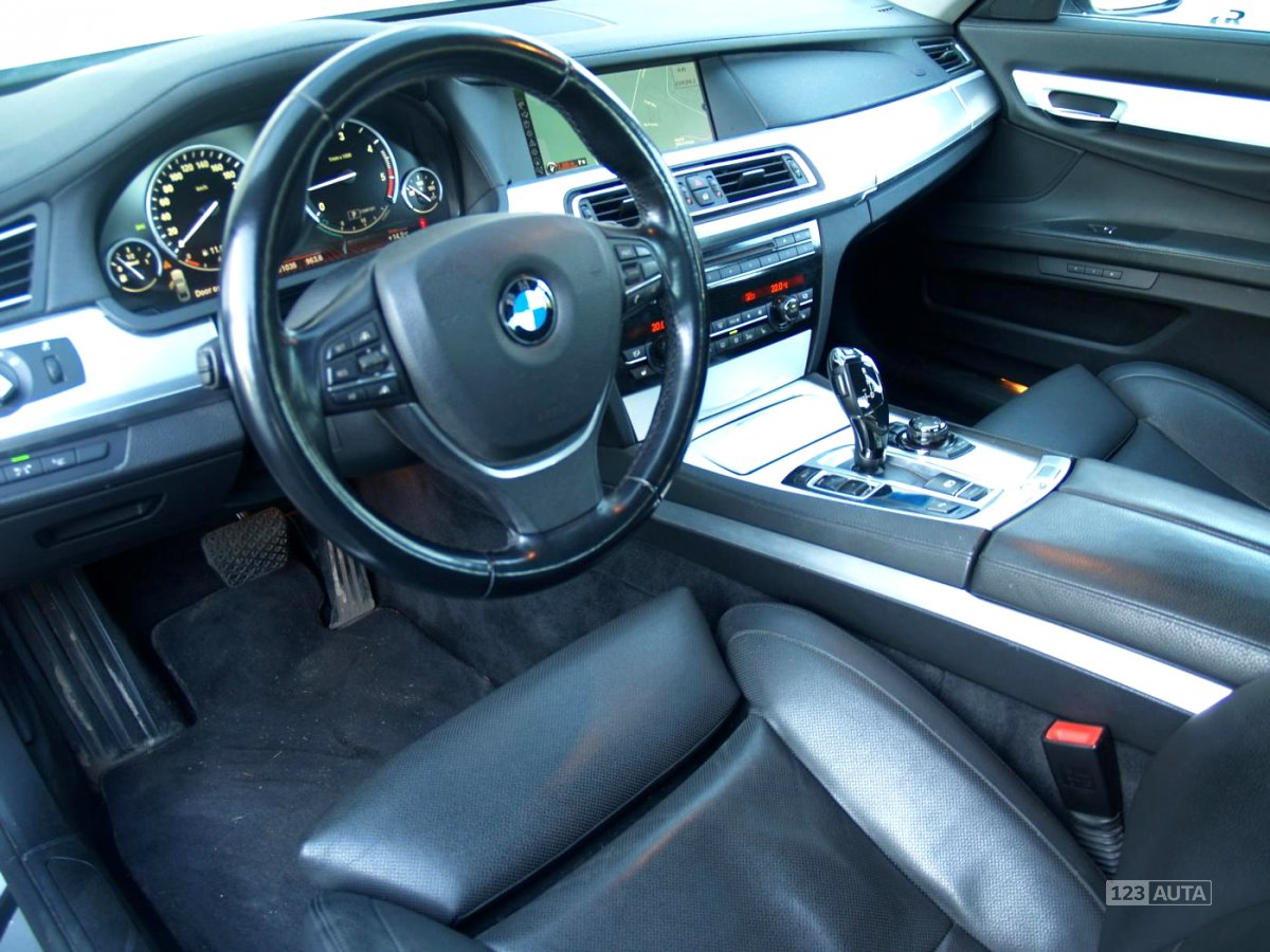 BMW Řada 7, 2010 - pohled č. 10