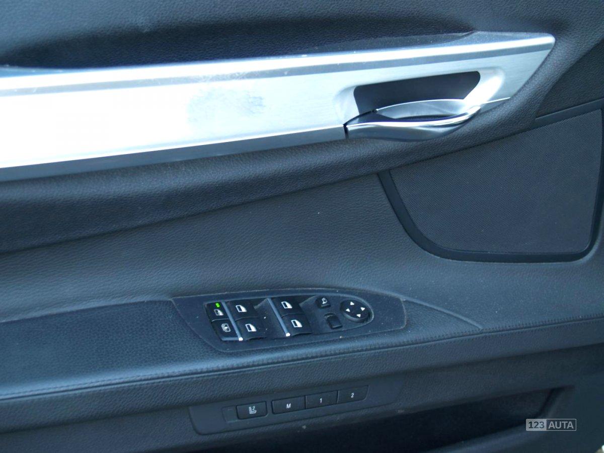 BMW Řada 7, 2010 - pohled č. 11