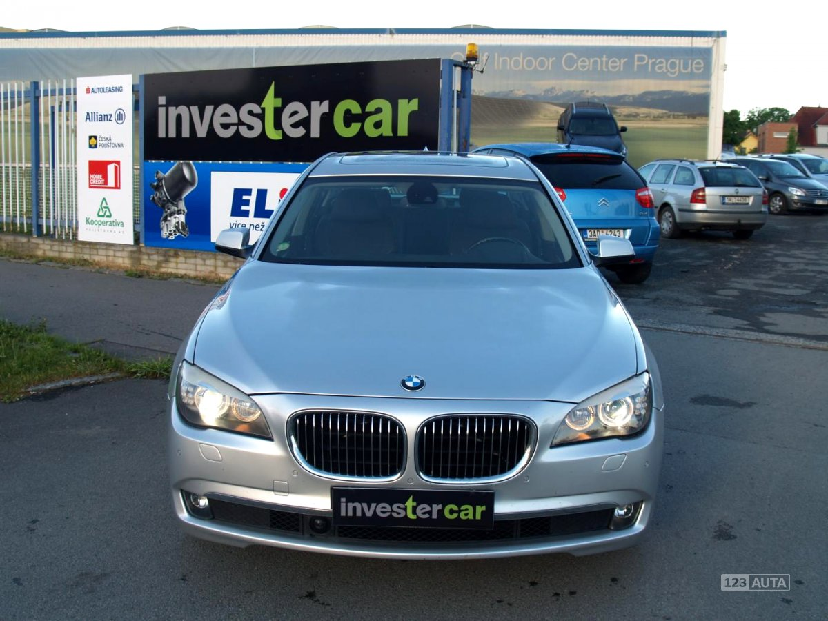 BMW Řada 7, 2010 - pohled č. 8