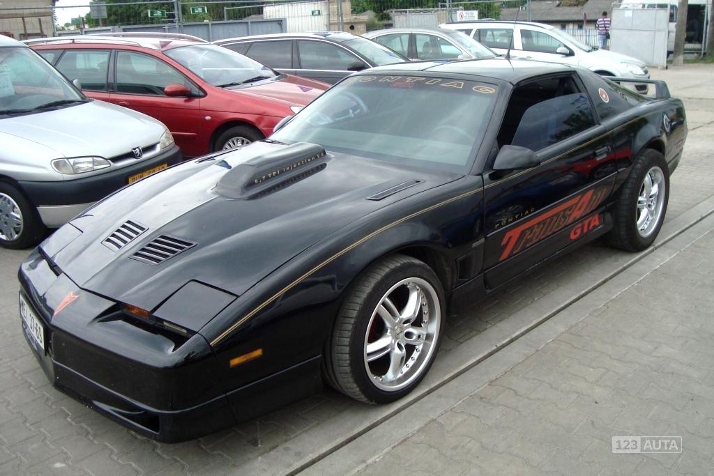 Pontiac Firebird, 1988 - celkový pohled