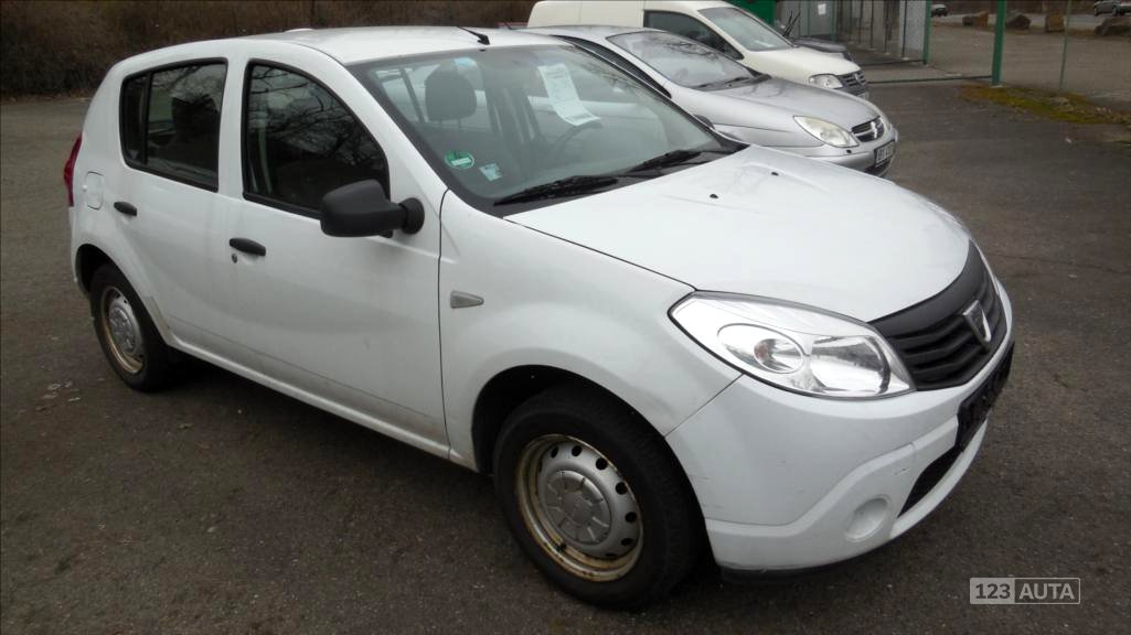 Dacia Sandero, 2011 - celkový pohled