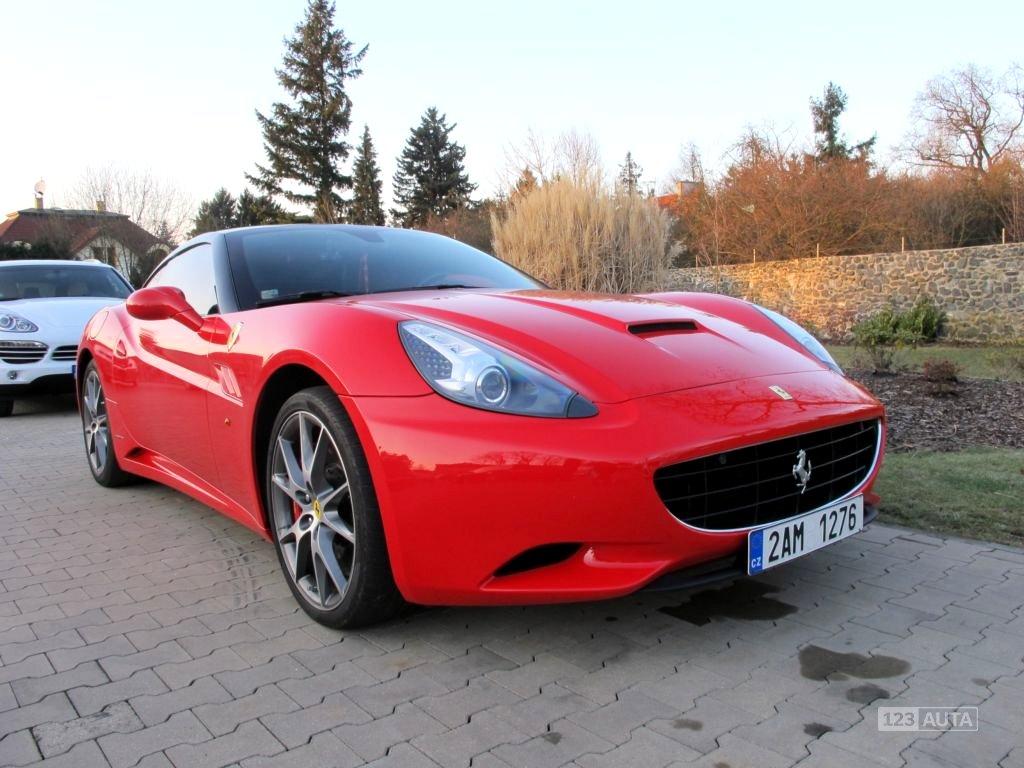 Ferrari California, 2010 - celkový pohled