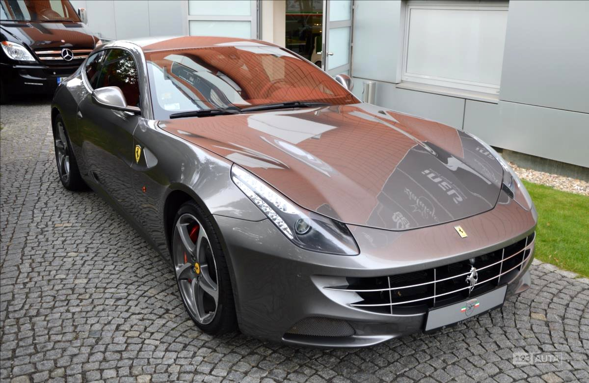 Ferrari FF, 2012 - celkový pohled