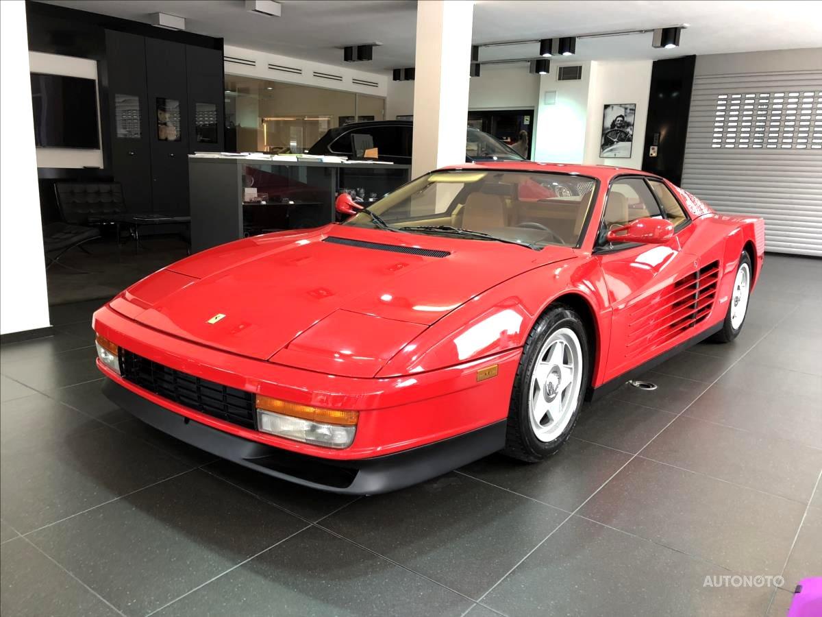 Ferrari Testarossa, 1988 - celkový pohled