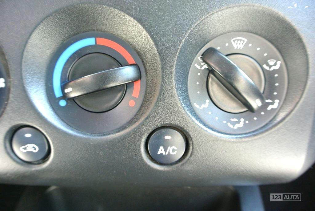 Ford Fiesta, 2003 - pohled č. 16