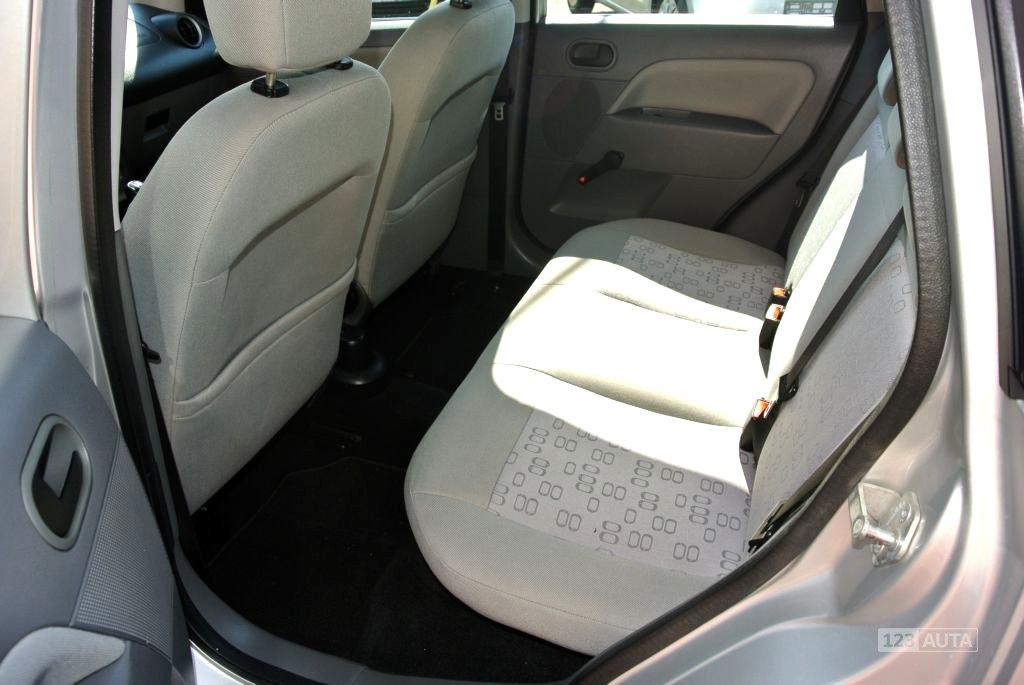 Ford Fiesta, 2003 - pohled č. 18