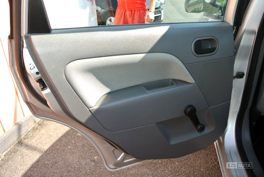 Ford Fiesta, 2003 - pohled č. 19
