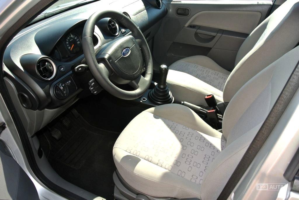 Ford Fiesta, 2003 - pohled č. 8