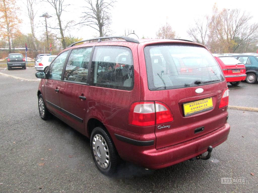 Ford galaxy 2001 pohled 3