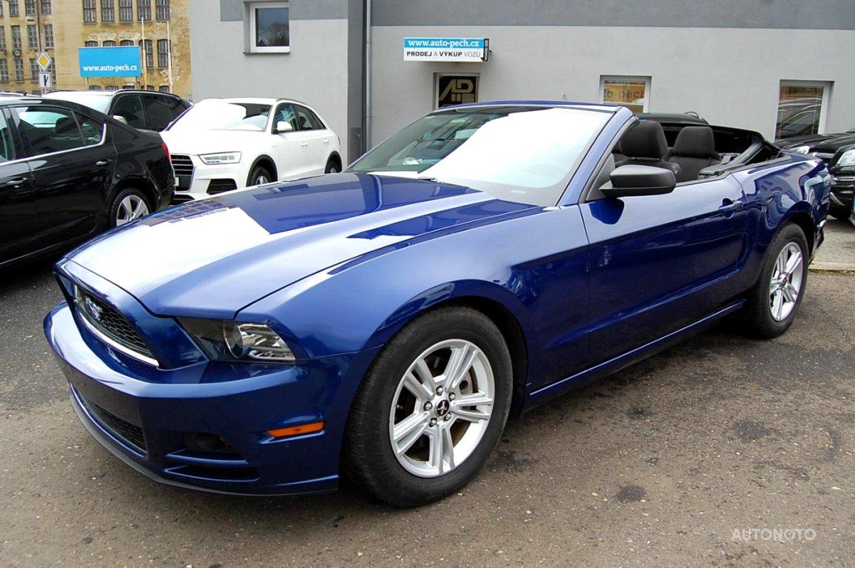 Ford Mustang, 2013 - celkový pohled