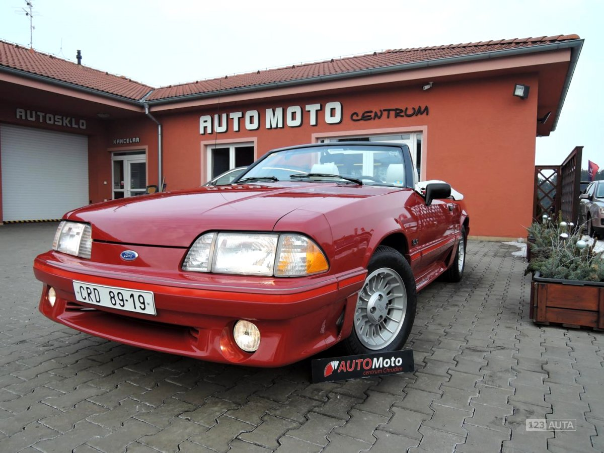 Ford Mustang, 1988 - celkový pohled