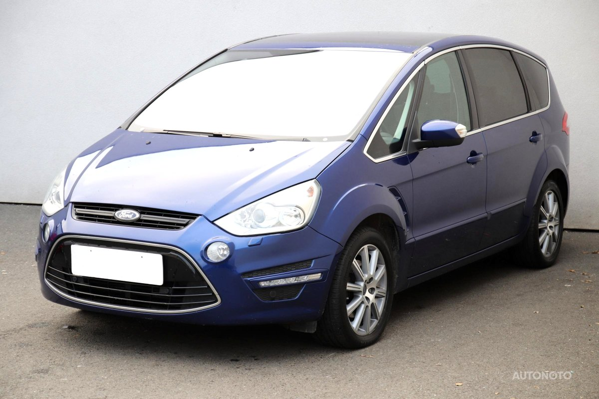 Ford S-MAX, 2014 - pohled č. 3
