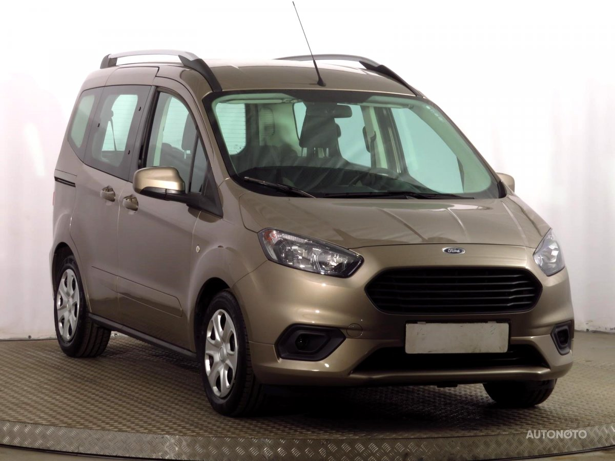 Ford Tourneo Courier, 2018 - celkový pohled