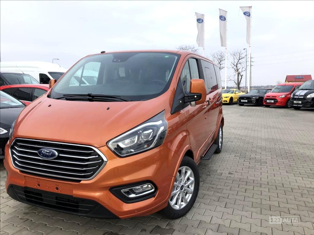 Ford Tourneo Custom, 2018 - celkový pohled