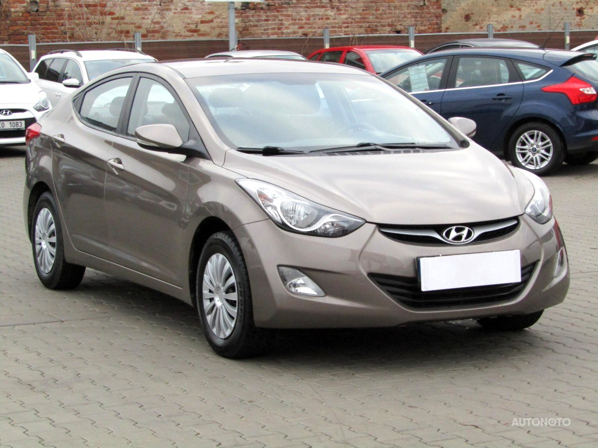 Hyundai Elantra, 2012 - celkový pohled