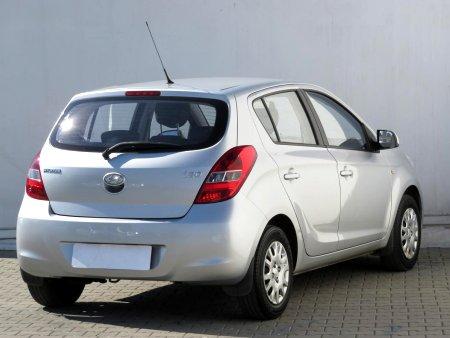 Hyundai i20, 2010 - pohled č. 5