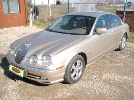 Jaguar S-Type, 2001