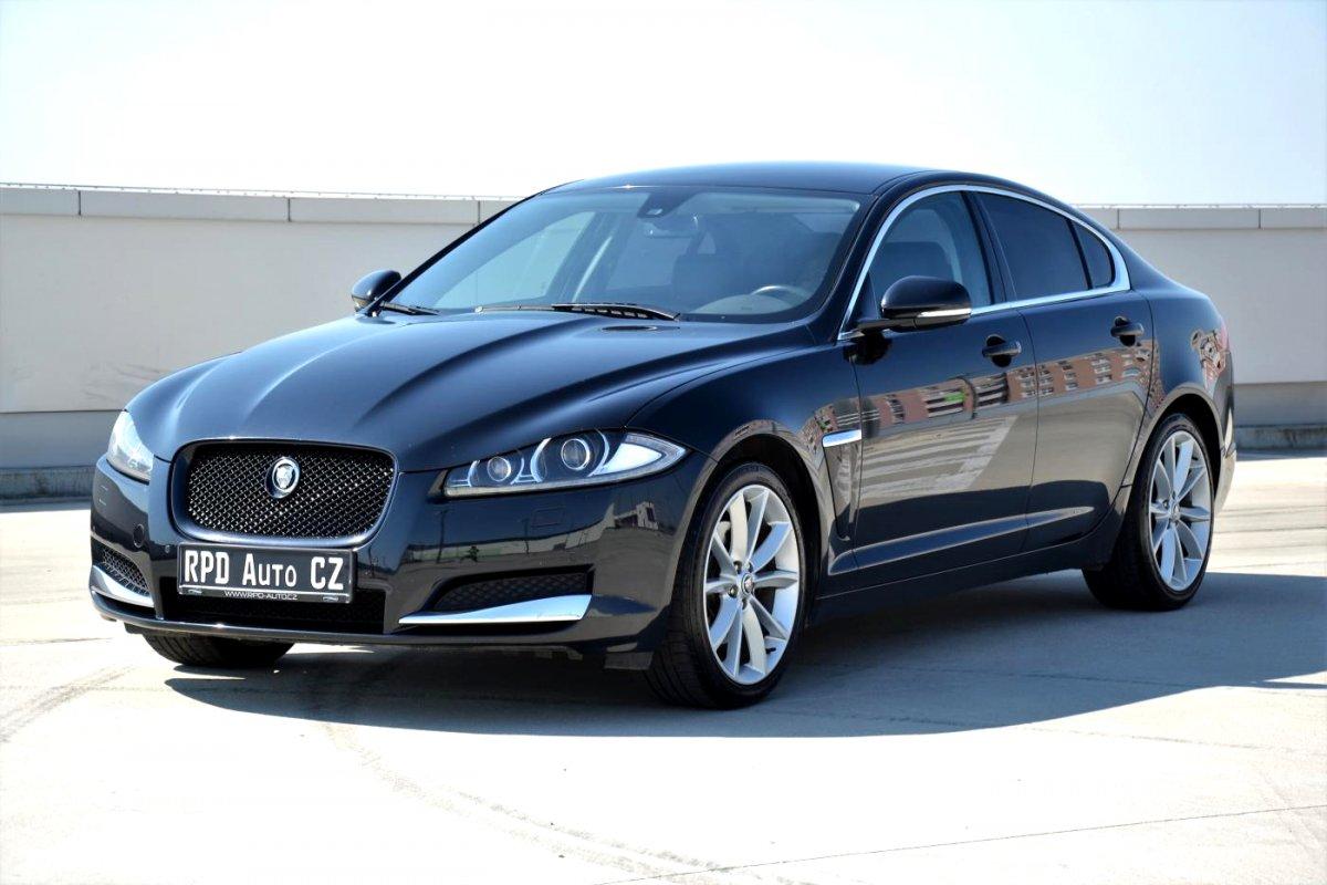 Jaguar XF, 2012 - celkový pohled