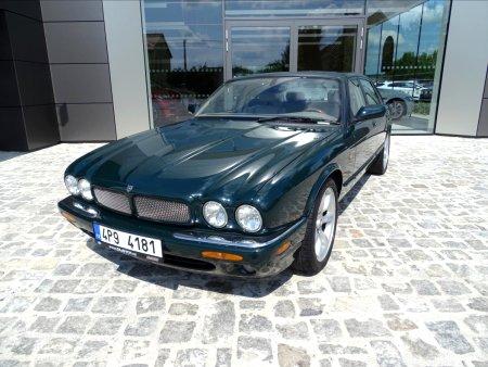 Jaguar XJR, 2001