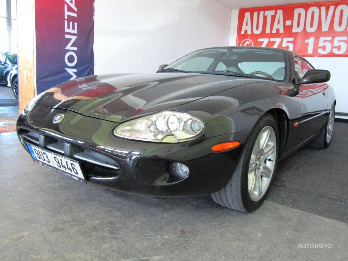 Jaguar XK8, 1998 - celkový pohled