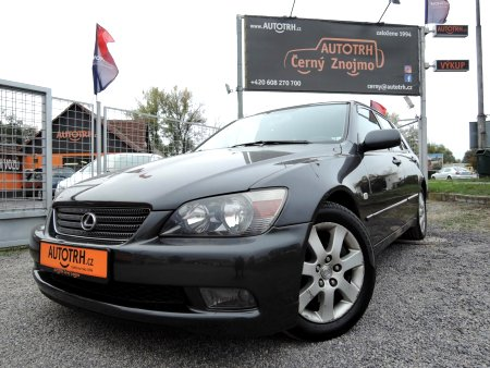 Lexus IS 200, 2004