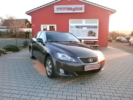 Lexus IS 220, 2010