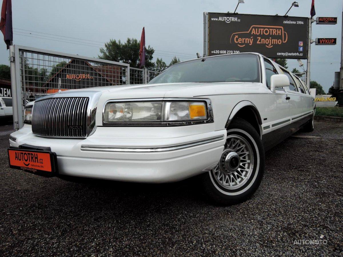 Lincoln Town Car, 1995 - celkový pohled