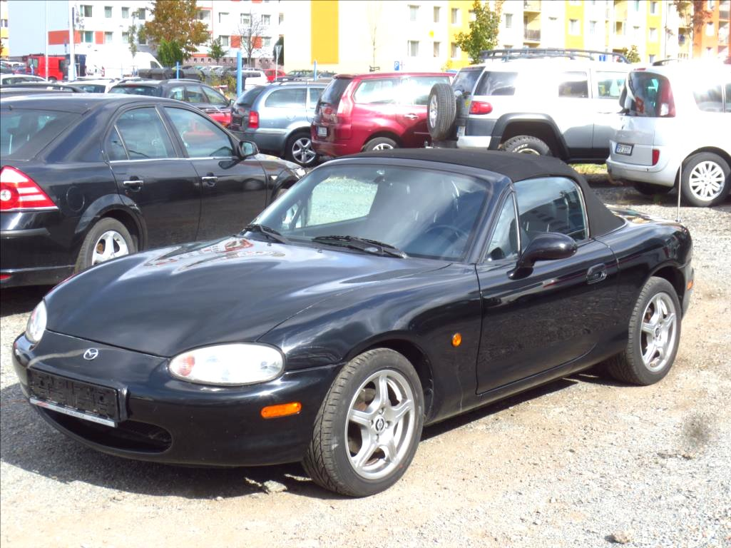 Mazda MX-5, 1999 - celkový pohled