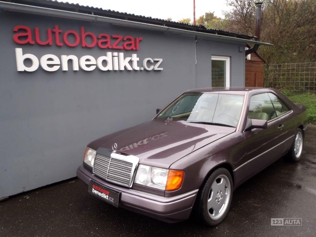Mercedes-Benz 124, 1990 - celkový pohled