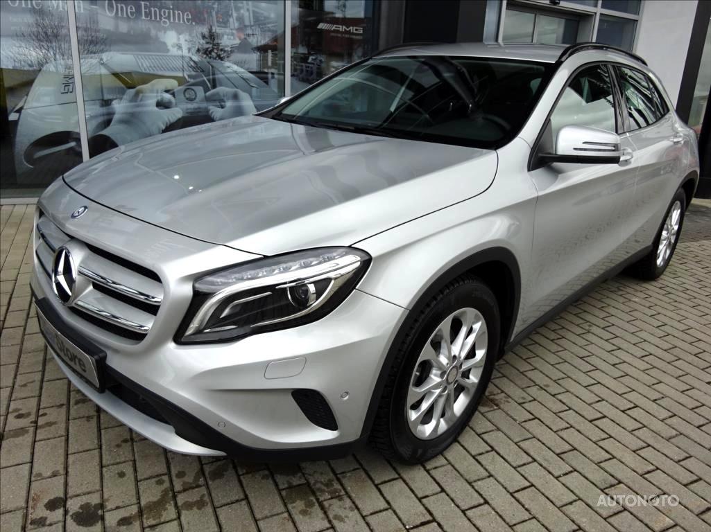 Mercedes-Benz GLA, 2016 - celkový pohled