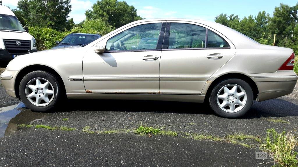 Mercedes-Benz Třídy C, 2001 - celkový pohled