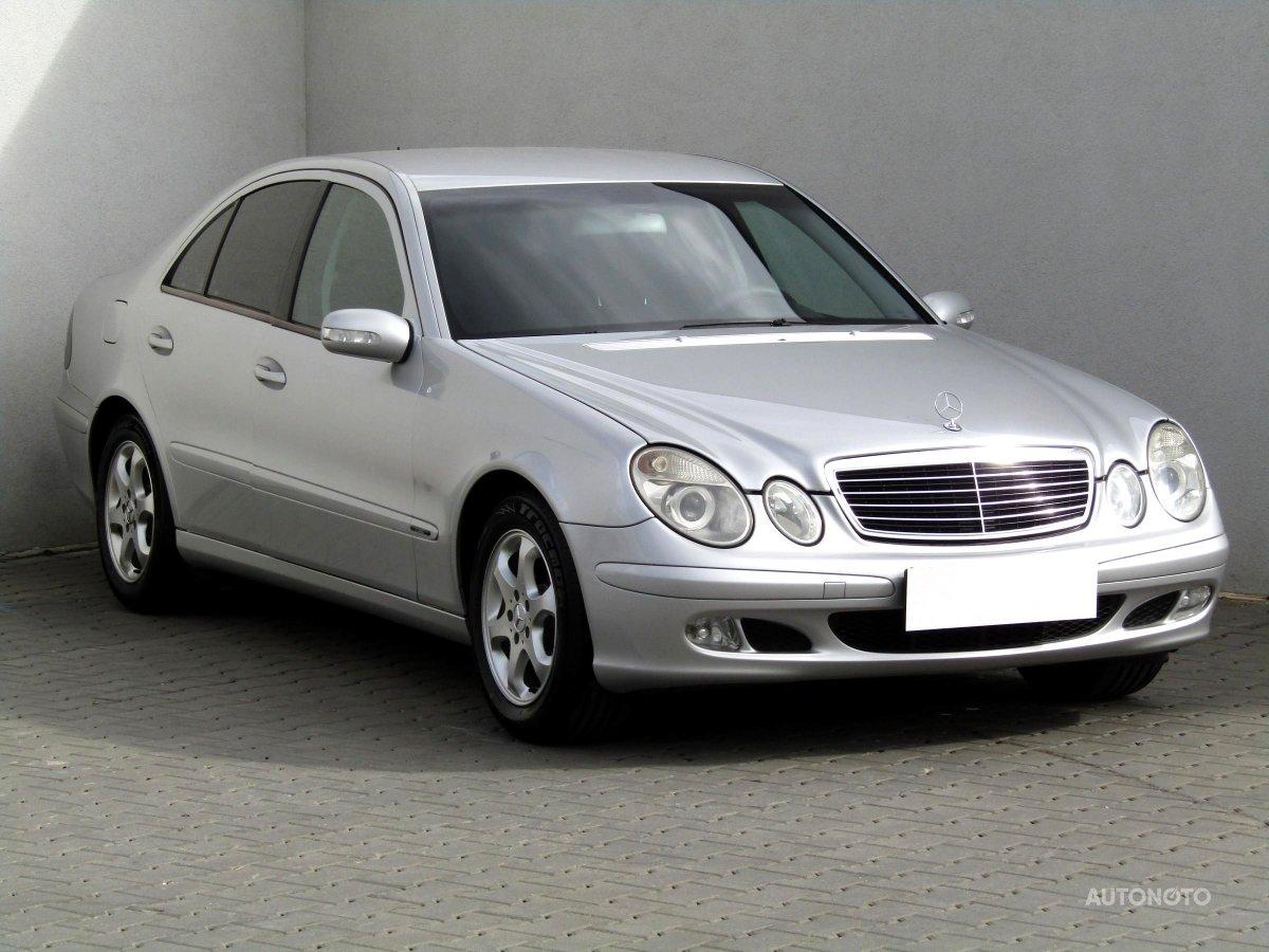 Mercedes-Benz Třídy E, 2002 - celkový pohled