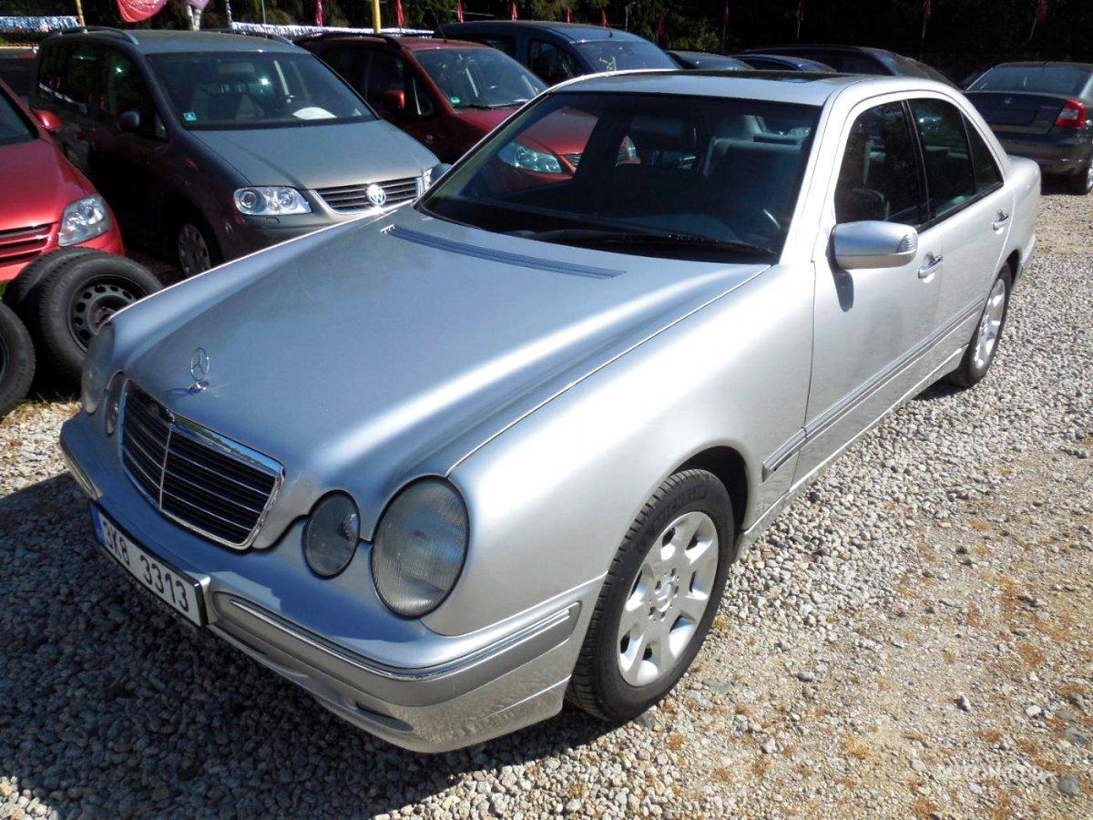 Mercedes-Benz Třídy E, 2001 - celkový pohled