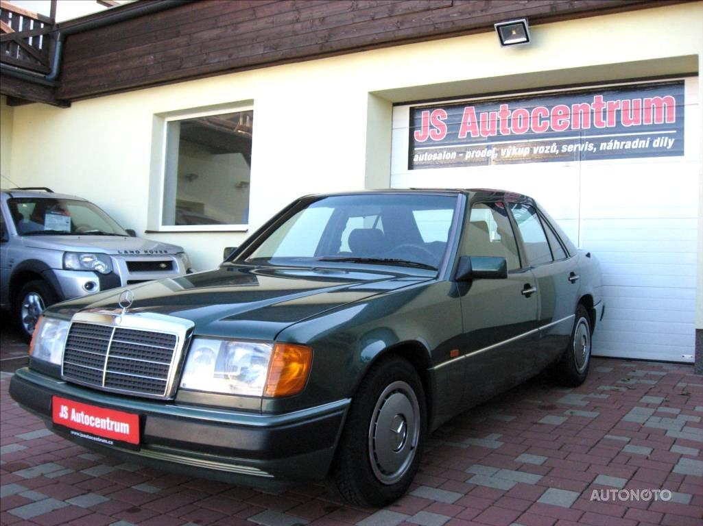 Mercedes-Benz Třídy E, 1990 - celkový pohled