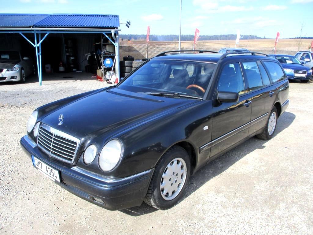 Mercedes-Benz Třídy E, 1998 - celkový pohled