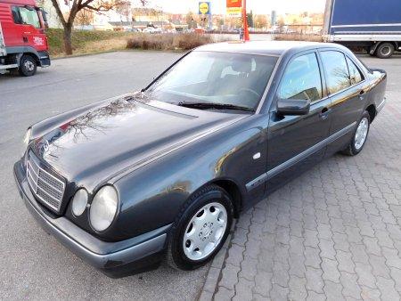Mercedes-Benz Třídy E, 1997