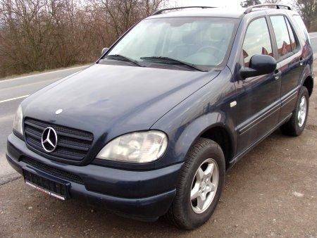 Mercedes-Benz Třídy M, 2001