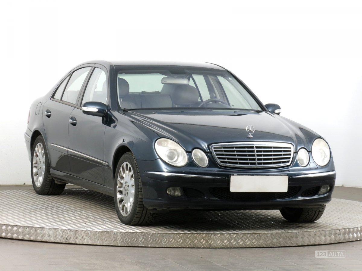 Mercedes-Benz E, 2005 - celkový pohled