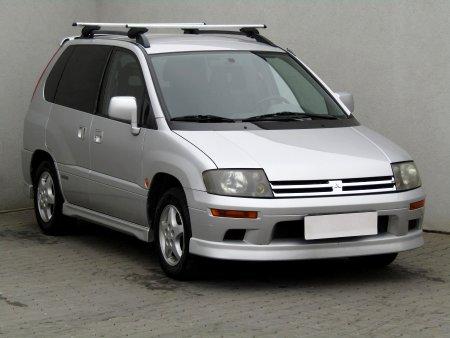 Mitsubishi Space, 2000