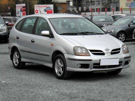 Nissan Almera Tino, 2001