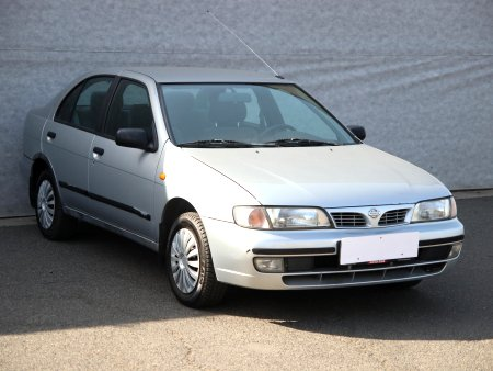 Nissan Almera, 1996